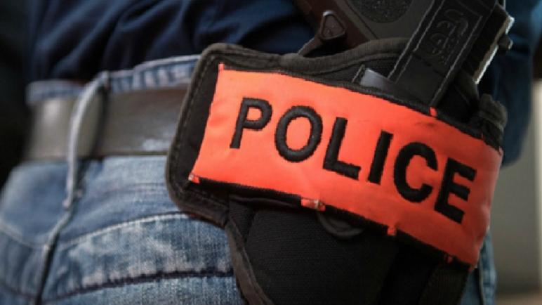 سلا…مقدم شرطة يستخدم سلاحه الوظيفي لتوقيف شخص عرض حياة المواطنين و الشرطة لتهديد باستعمال السلاح الأبيض