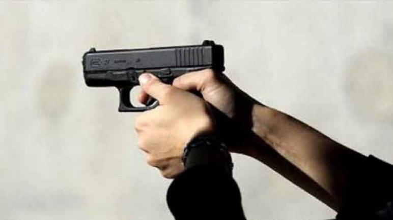 موظف شرطة يستخدم سلاحه الوظيفي لتوقيف شخص من ذوي السوابق القضائية