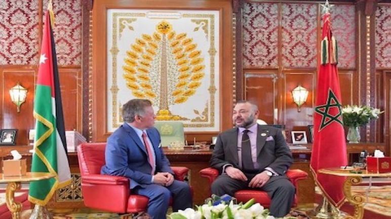 جلالة الملك يجري مباحثات على انفراد مع عاهل المملكة الأردنية