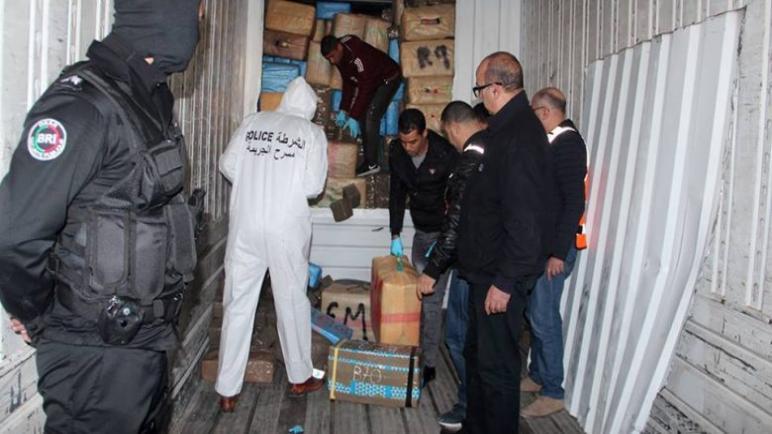 طنجة،.. حجز كمية مهمة من مخدر الشيرا محملة على متن شاحنة مقطورة