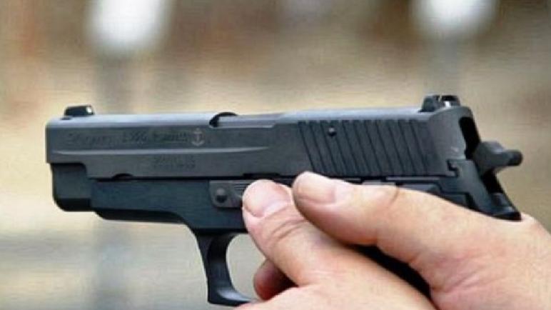 بوجدور… مقدم شرطة يستخدم سلاحه الوظيفي لتوقيف شخص رفض الامتثال وعرض حياة موظفين عموميين للخطر
