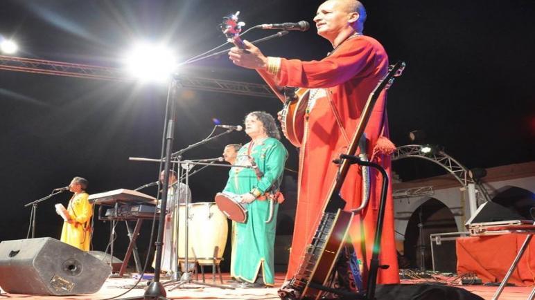 الإيقاعات الأمازيغية تكسر صمت تازناخت