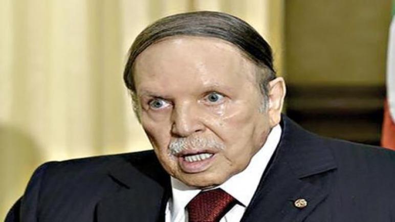 بوتفليقة يعلن عدم ترشحه لولاية خامسة و يؤجل انتخابات الرئاسة الجزائرية