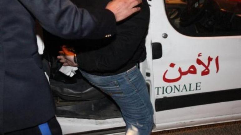 توقيف أربعة أشخاص متلبسين بتصوير فيديو يتضمن جرائم وهمية