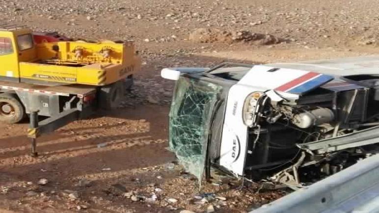 وفاة شخص وجرح 44 في انقلاب حافلة نواحي ورزازات