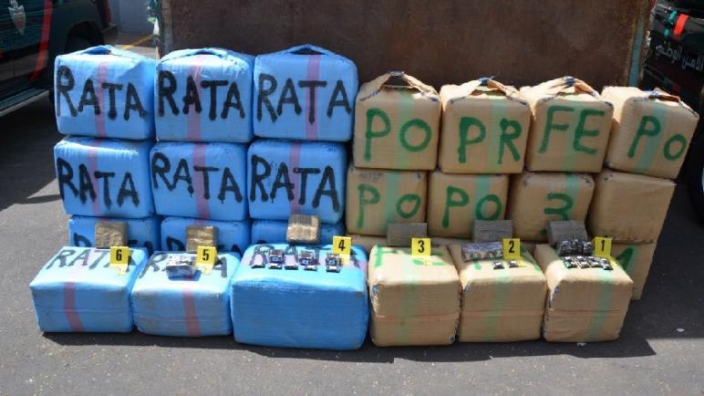 حجز 3 أطنان و500 كيلوغرام من مخدر الشيرا على متن شاحنة للنقل الطرقي للبضائع