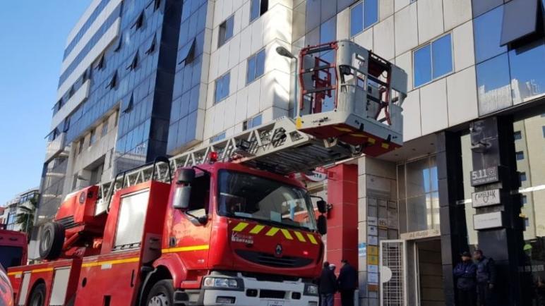 اندلاع حريق بسبب تماس كهربائي في مصعد بأحد المباني بشارع عبد المومن بالدار البيضاء