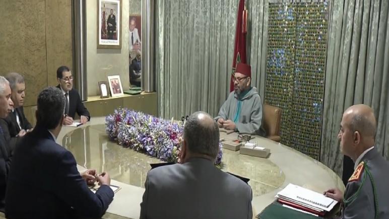 """جلالة الملك يترأس جلسة عمل لتتبع تدبير انتشار وباء """"كورونا"""" بالمغرب"""