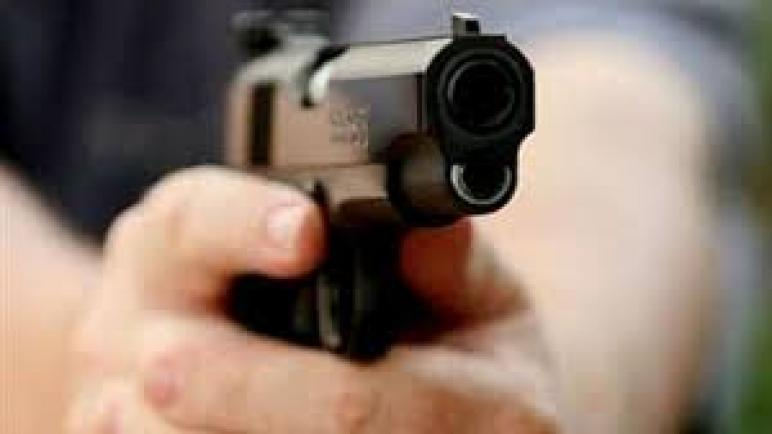 موظف شرطة بطنجة يستخدم سلاحه الوظيفي