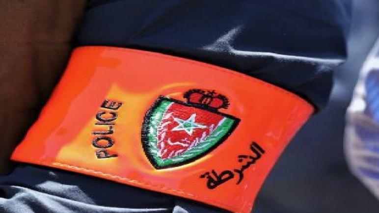 مكناس… توقيف ثلاثيني يشتبه في تورطه في سرقة سيارة و تعريض سلامة عناصر الشرطة والمواطنين للخطر