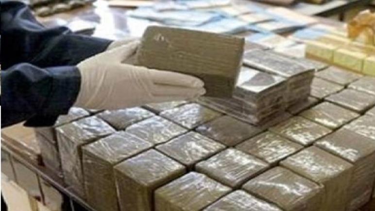 أمن الناظور يتمكن من إجهاض محاولة للتهريب الدولي للمخدرات ويحجز أزيد من أربعة أطنان من مخدر الشيرا