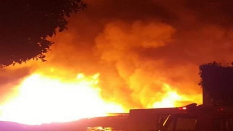 """إندلاع حريق بسوق المتلاشيات """"سيدي يوسف"""" بأكادير"""