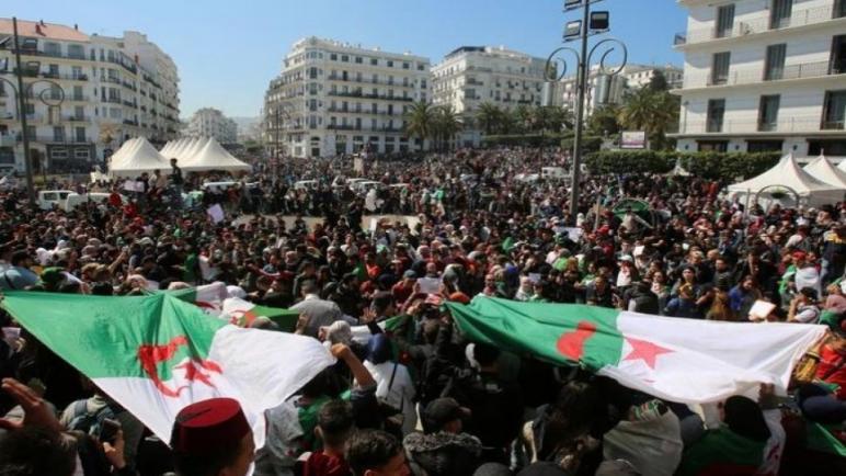تظاهرات في الجزائر للمطالبة برحيل رموز نظام بوتفليقة