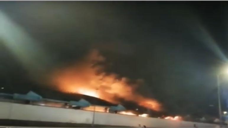 حريق يلتهم 12 حافلة بمستودع المعاريف بالدار البيضاء