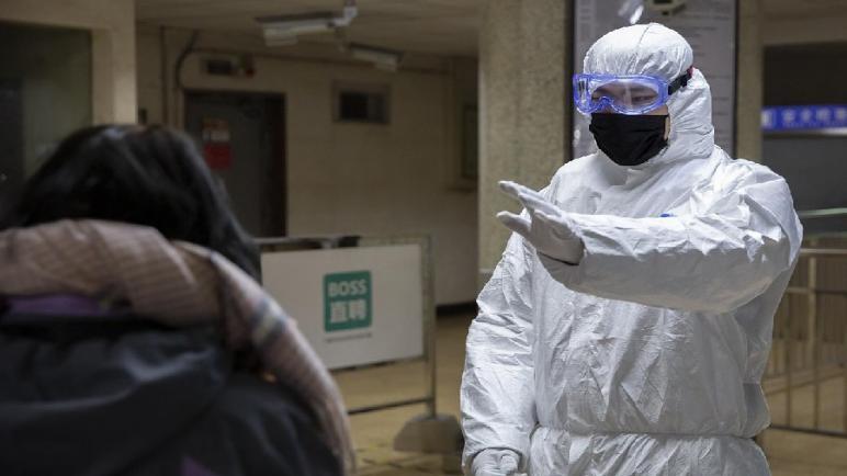 """الصين… تسجل 1749 حالة إصابة مؤكدة جديدة بفيروس """"كورونا"""" و136 حالة وفاة جديدة"""