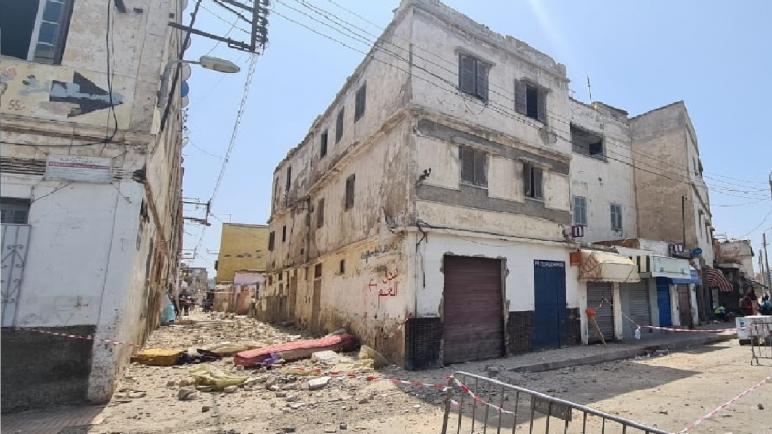 السلطات تواصل عملية هدم المنازل الآيلة للسقوط بالمدينة القديمة