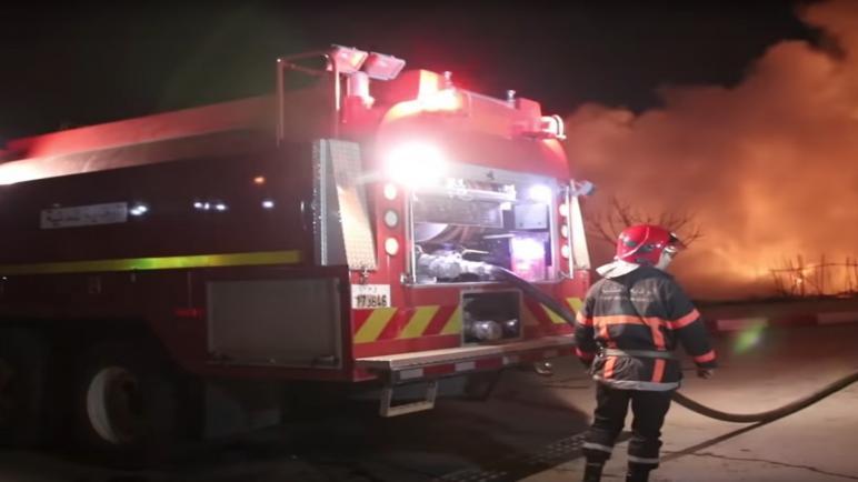 حريق مهول بمستودع عشوائي لقنينات الغاز بباب الفتوح بفاس