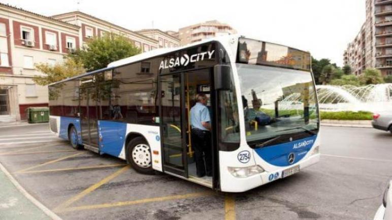 """شركة """"ألزا"""" الإسبانية تفوز بصفقة تدبير النقل الحضري بالعاصمة الاقتصادية"""